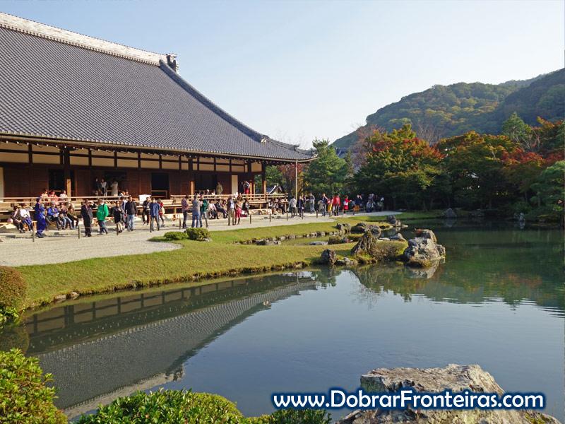 lagono templo de Tenryū-ji em Quioto