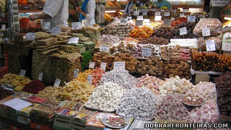 Banca de doces no Bazar da Especiarias, Istambul