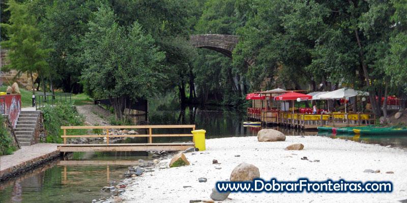 Rio Ceira na praia fluvial de Gois