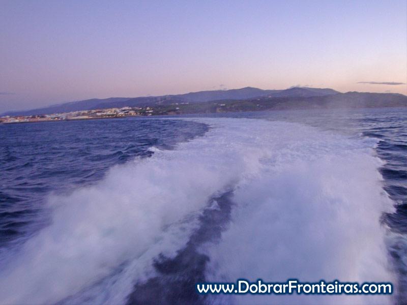 Ferry a deixar o porto de Tarifa a caminho de Marrocos