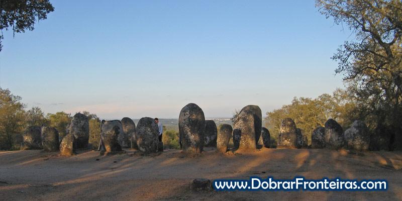 Cromeleque dos Almendres em Évora, Alentejo