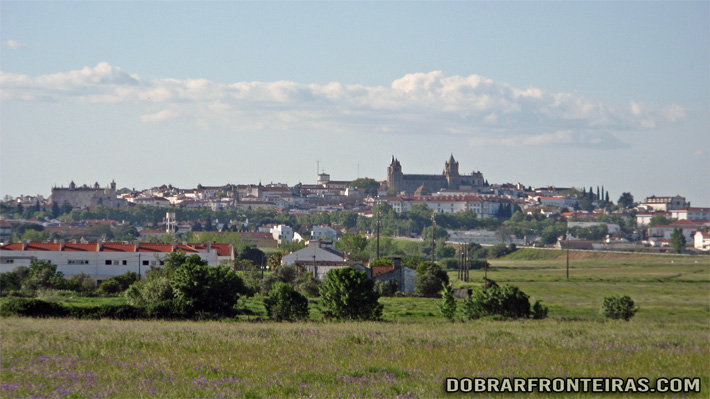 Vista da cidade de Évora à distância