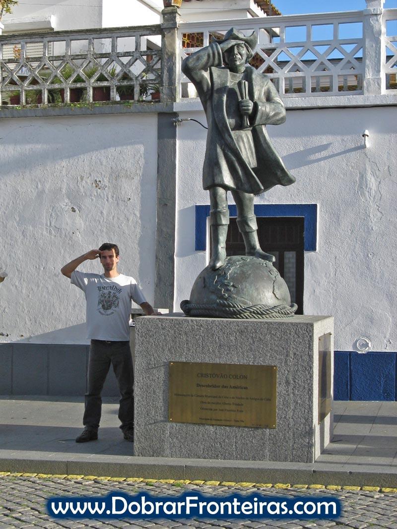 Estátua de Cristóvão Colombo na vila alentejana de Cuba, Portugal