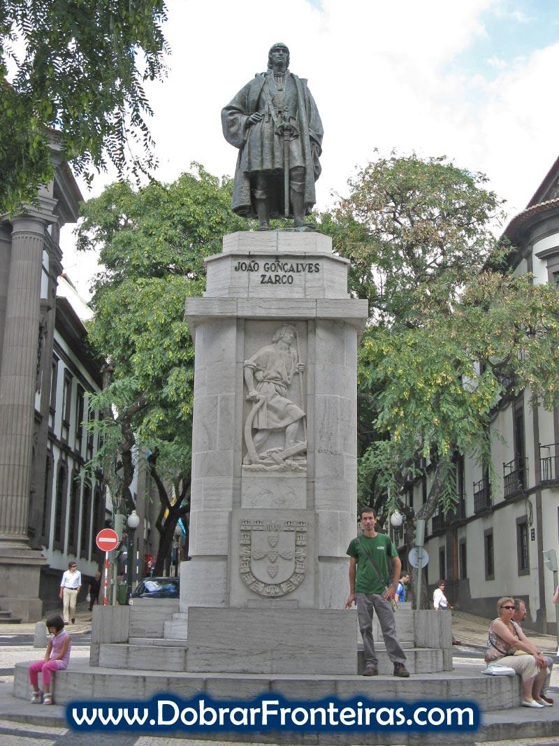 Estátua de João Gonçalves Zarco no centro do Funchal, Ilha da Madeira