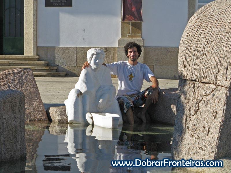 Monumento a Fernão de Magalhães menino em Sabrosa