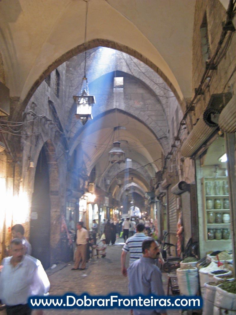 Grande bazar de Aleppo, um dos mais impressionantes do Médio Oriente