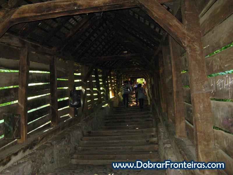 Escadaria coberta em Sighisoara