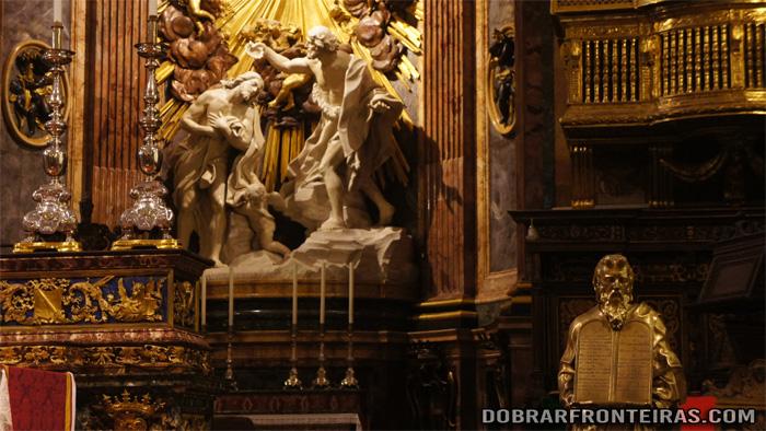Altar mor da Co-Catedral de Sao João em La Valletta, Malta