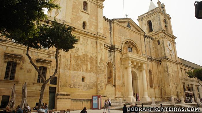 Fachada da Co-Catedral de Sao João em La Valletta, Malta
