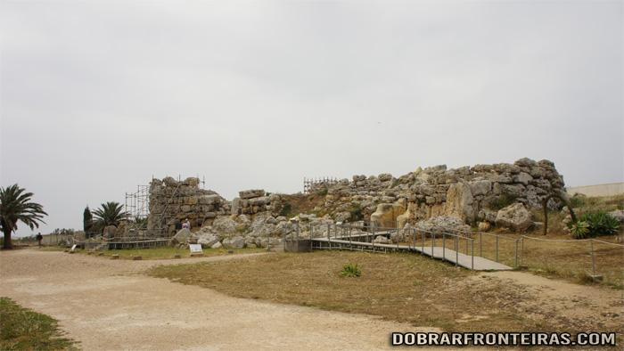 Vista geral do templo Megalítico de Ggantija, Ilha de Gozo