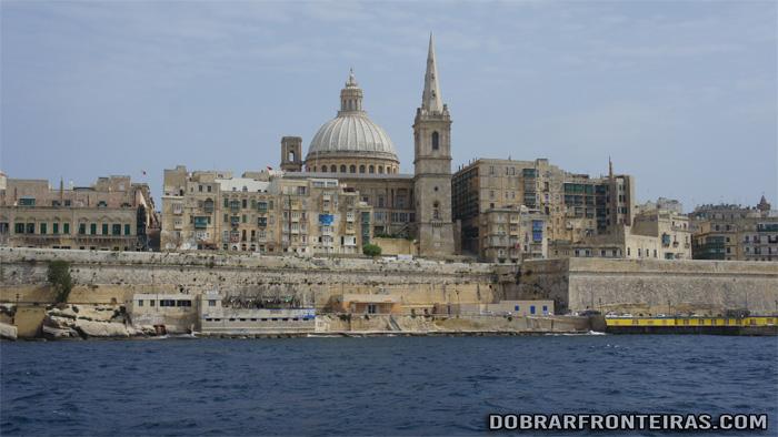 Valletta vista a partir da baía de Silema, Malta