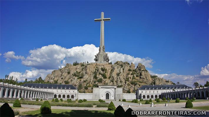 Cruz do Vale dos Caídos, Espanha
