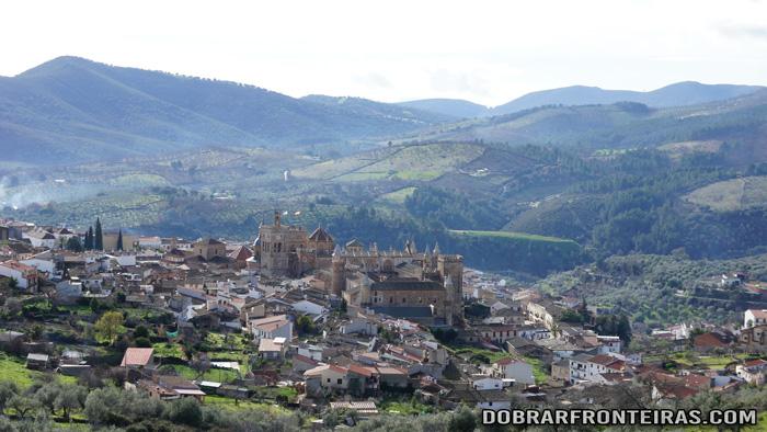 Vista do mosteiro de Guadalupe, Espanha