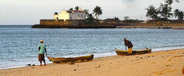 Praia e capela de St. António, Ilha de Moçambique
