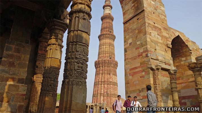 Minarete de Qutub em Deli, Índia