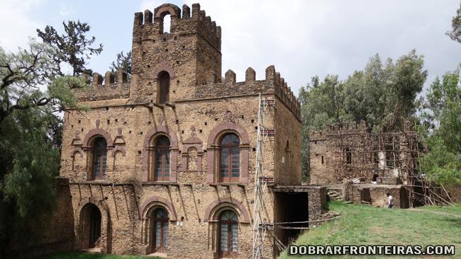 Edifício em obras no castelo de Gondar