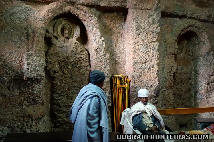 Interior da igreja de Bet Golgotha