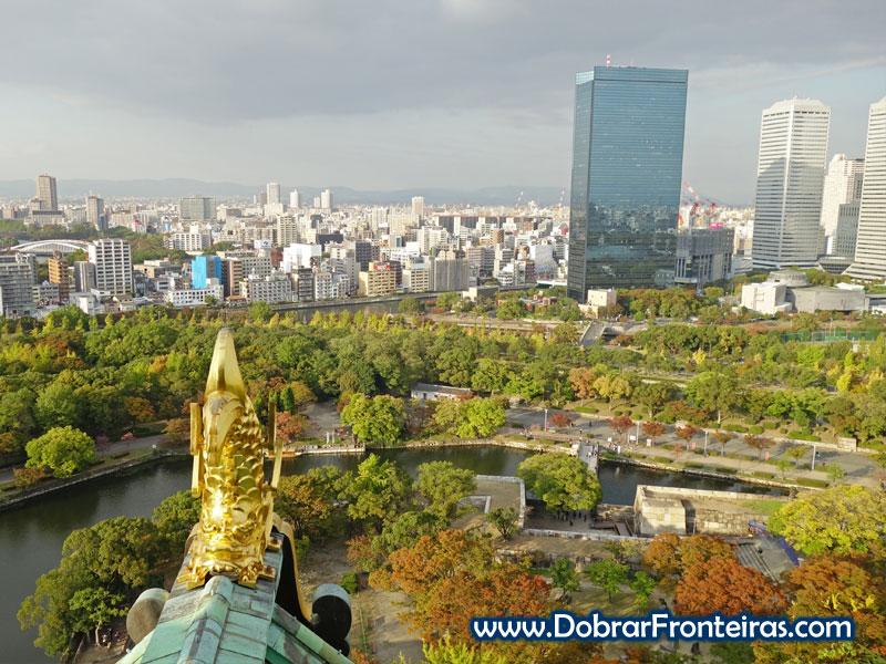 Vista da cidade de Osaka a partir do topo do castelo