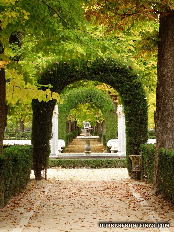 Jardins da Ilha em Aranjuez, no início do Outono