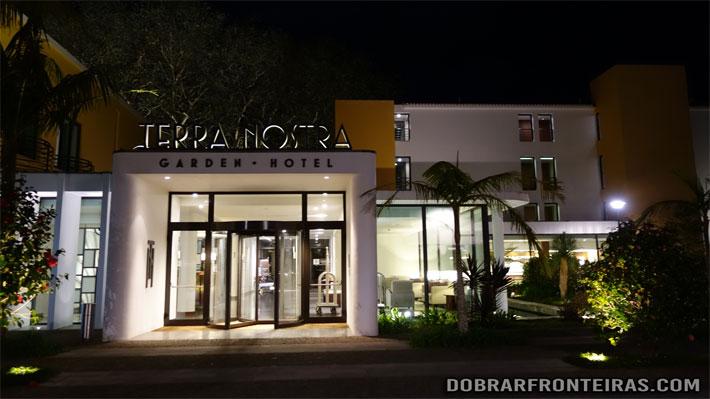 Entrada do hotel Terra Nostra nas Furnas