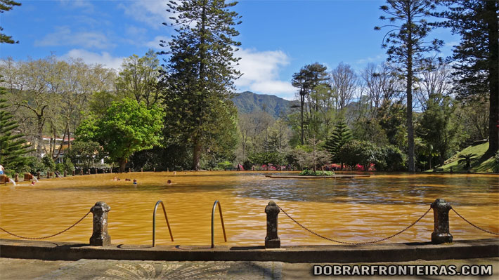 Tanque termal do parque Terra Nostra, Furnas, Açores