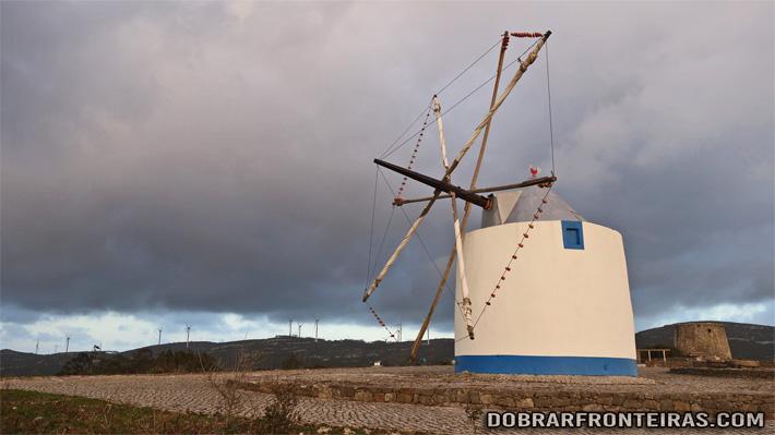 Moinho de vento do Alqueidão da Serra