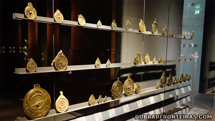 Astrolábios no museu de arte islâmica de Doha