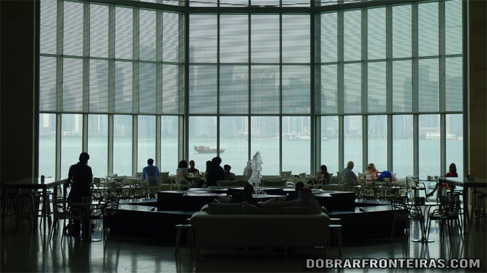 Bar do museu de arte islâmica de Doha, Qatar