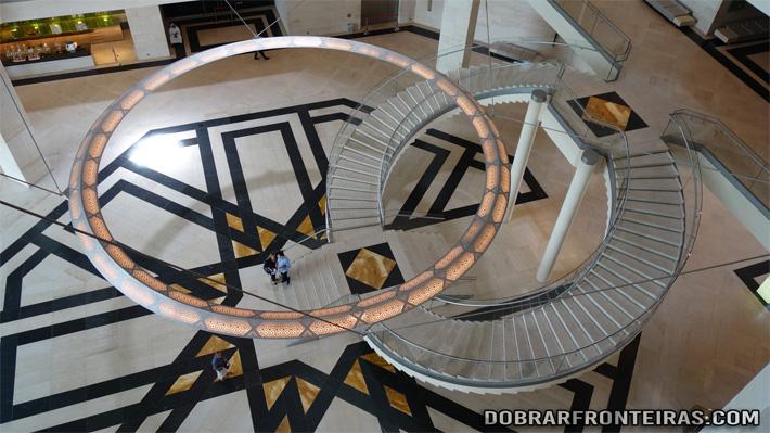 Pormenor da arquitectura do museu de arte islâmica de Doha, Qatar