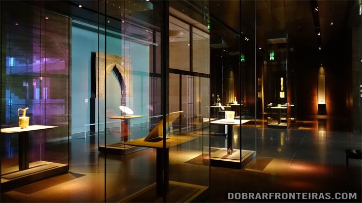 Sala do museu de arte islâmica de Doha, Qatar