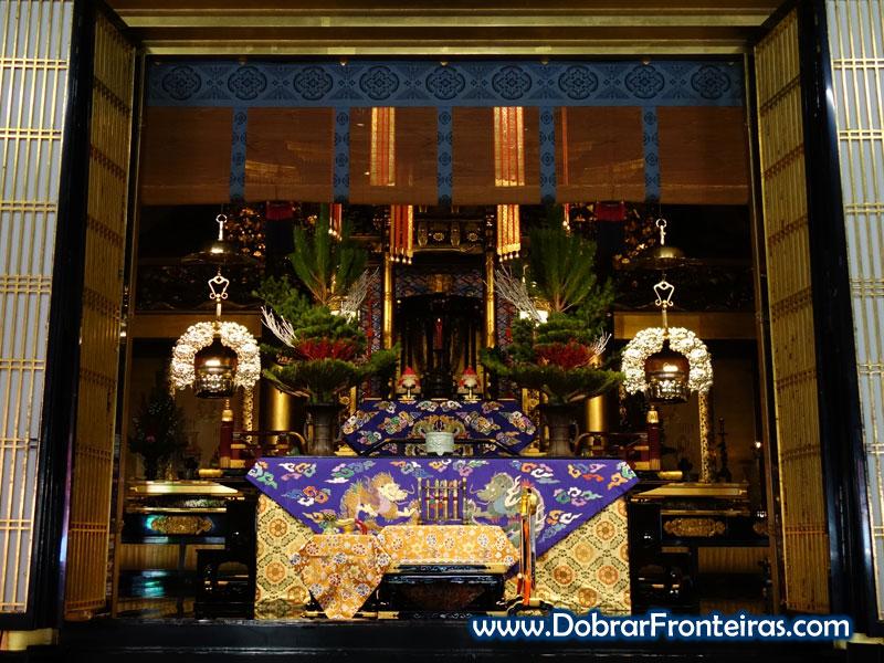Altar no templo de Nishi Hongan em Quioto