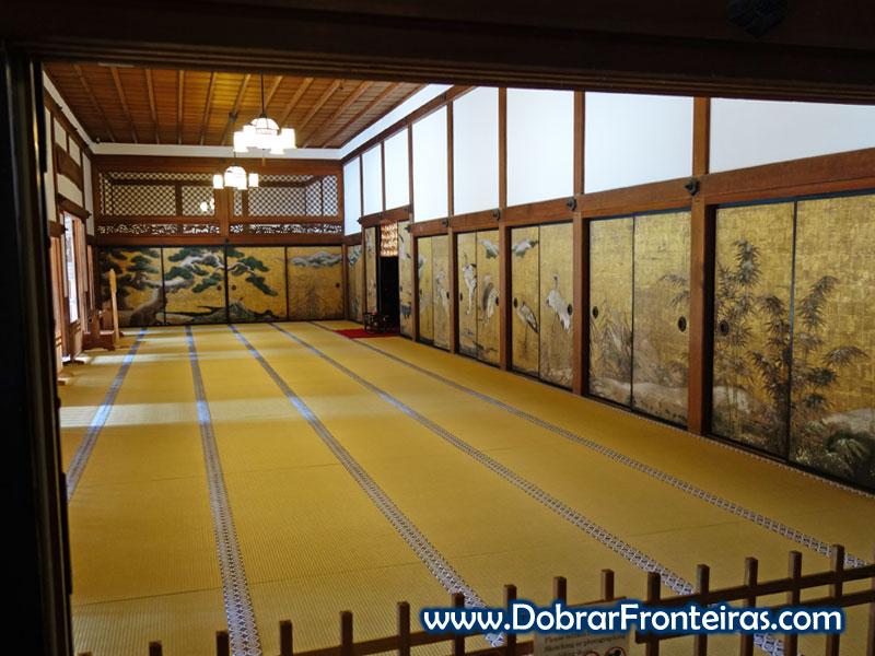 Bela sala no interior do templo Kongobuji em Koyasan