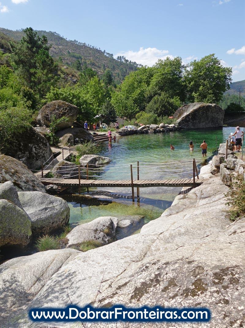 Praia fluvial de Loriga na Serra da Estrela