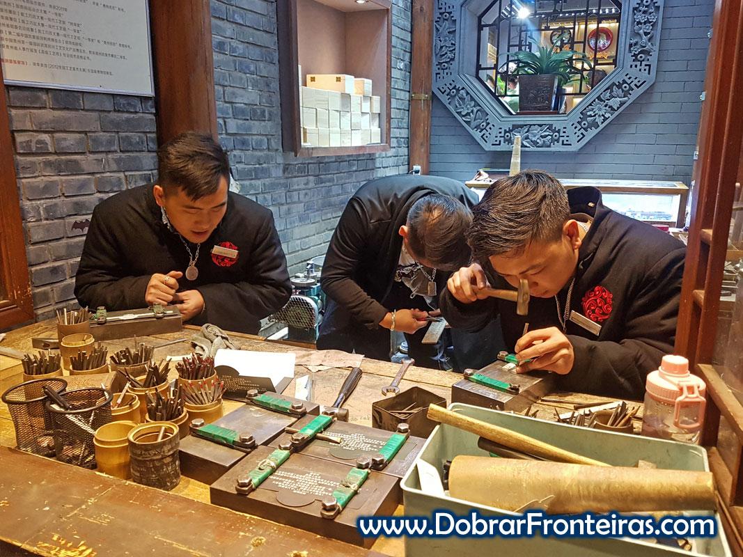 Artesãos num Hutong em Pequim
