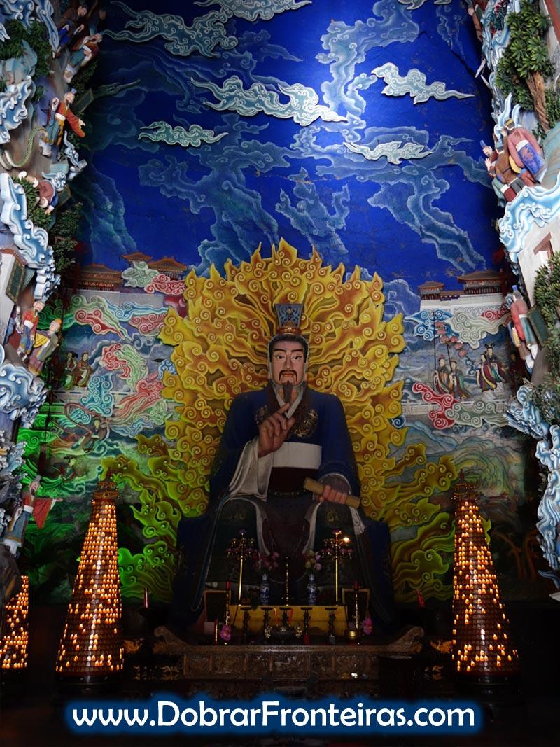 Estátua de Jiegong no templo taoista em Mianshan, China