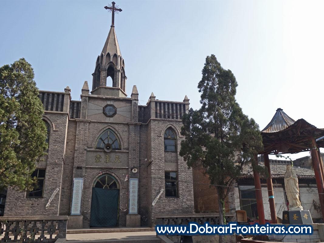 Fachada de igreja cristã católica na China