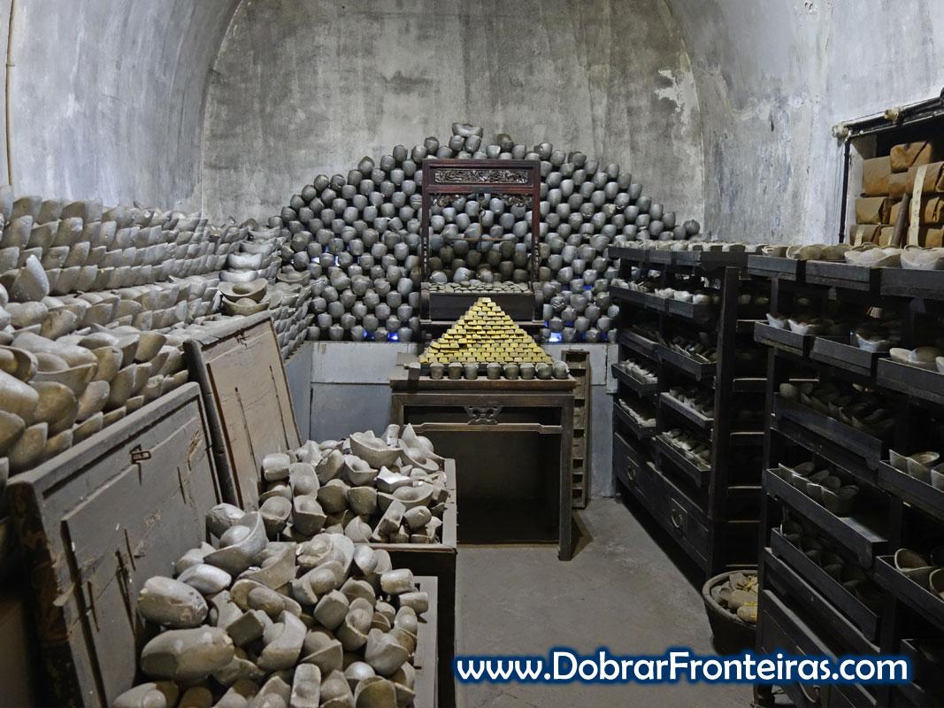 Depósito de lingotes de ouro e prata em museu de Pingyao