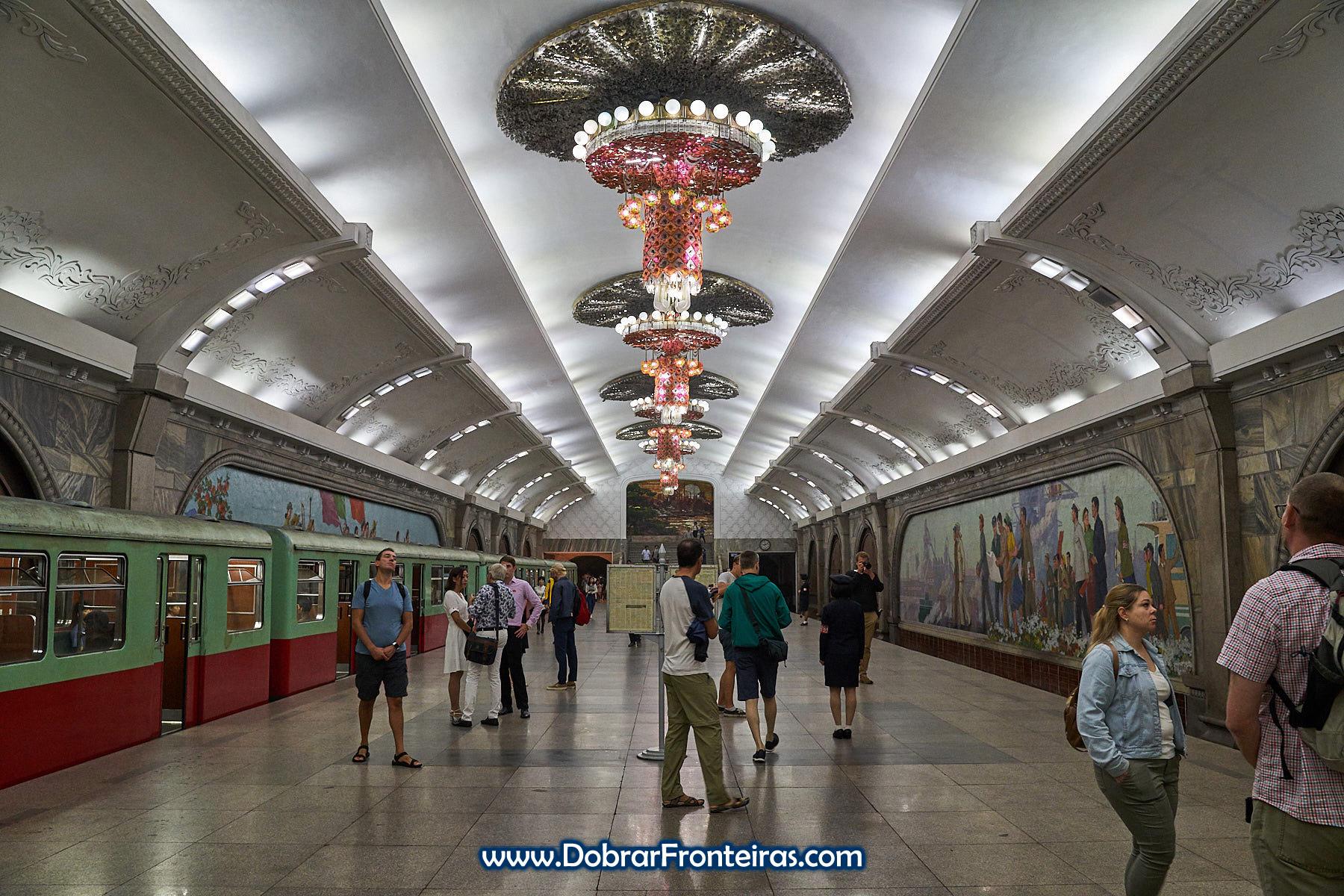 Estação de metropolitano de Puhung, Pyongyang