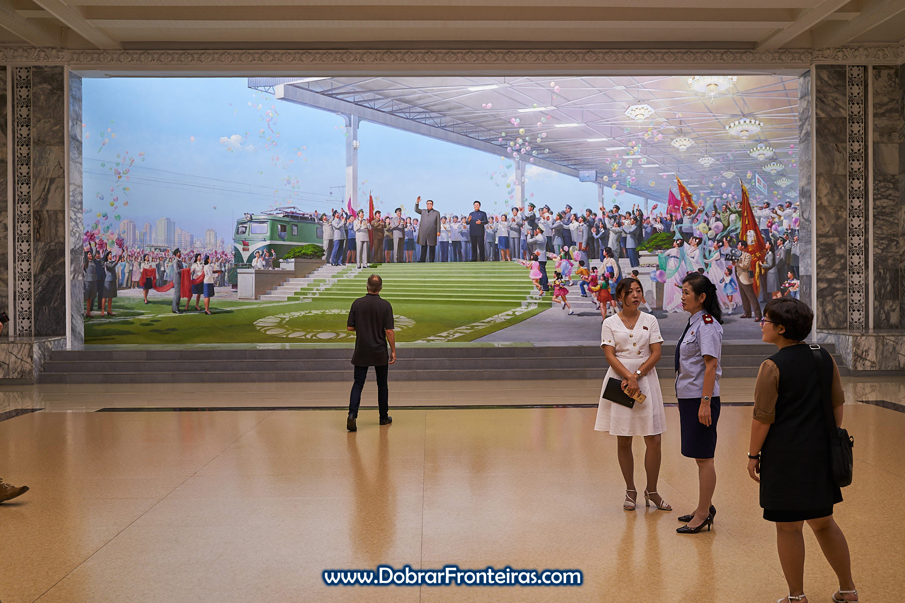 Hall do museu ferroviário de Pyongyang