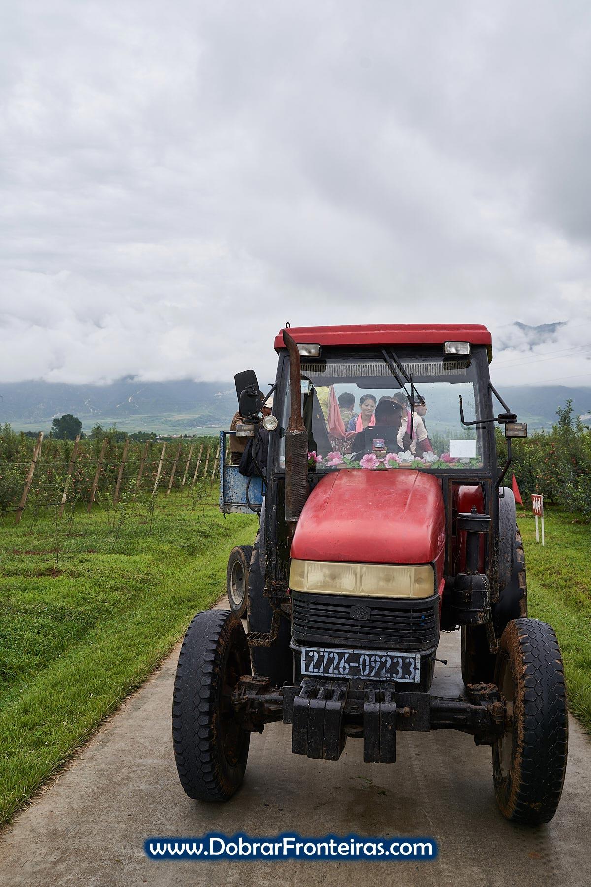 tractor agrícola na Coreia do Norte