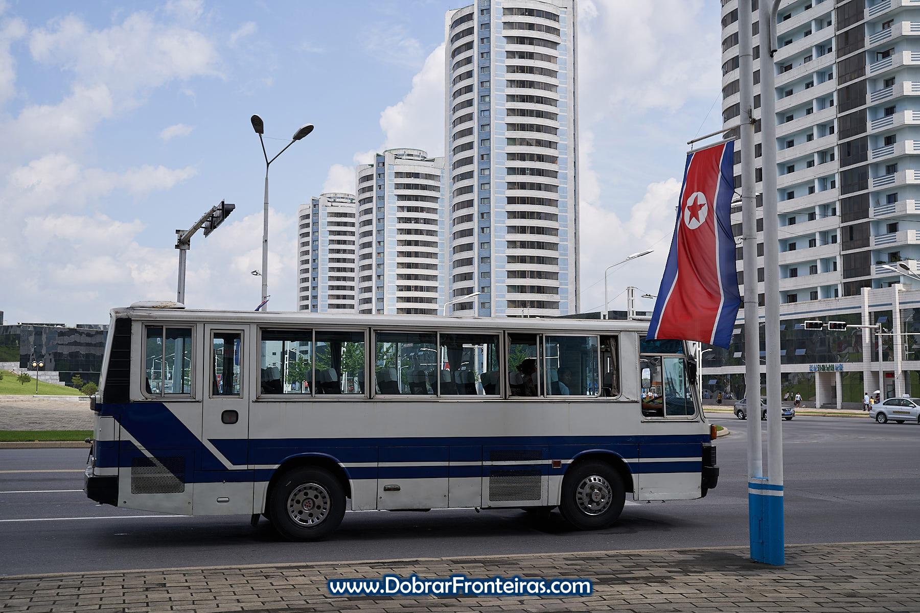 Autocarro em Pyongyang