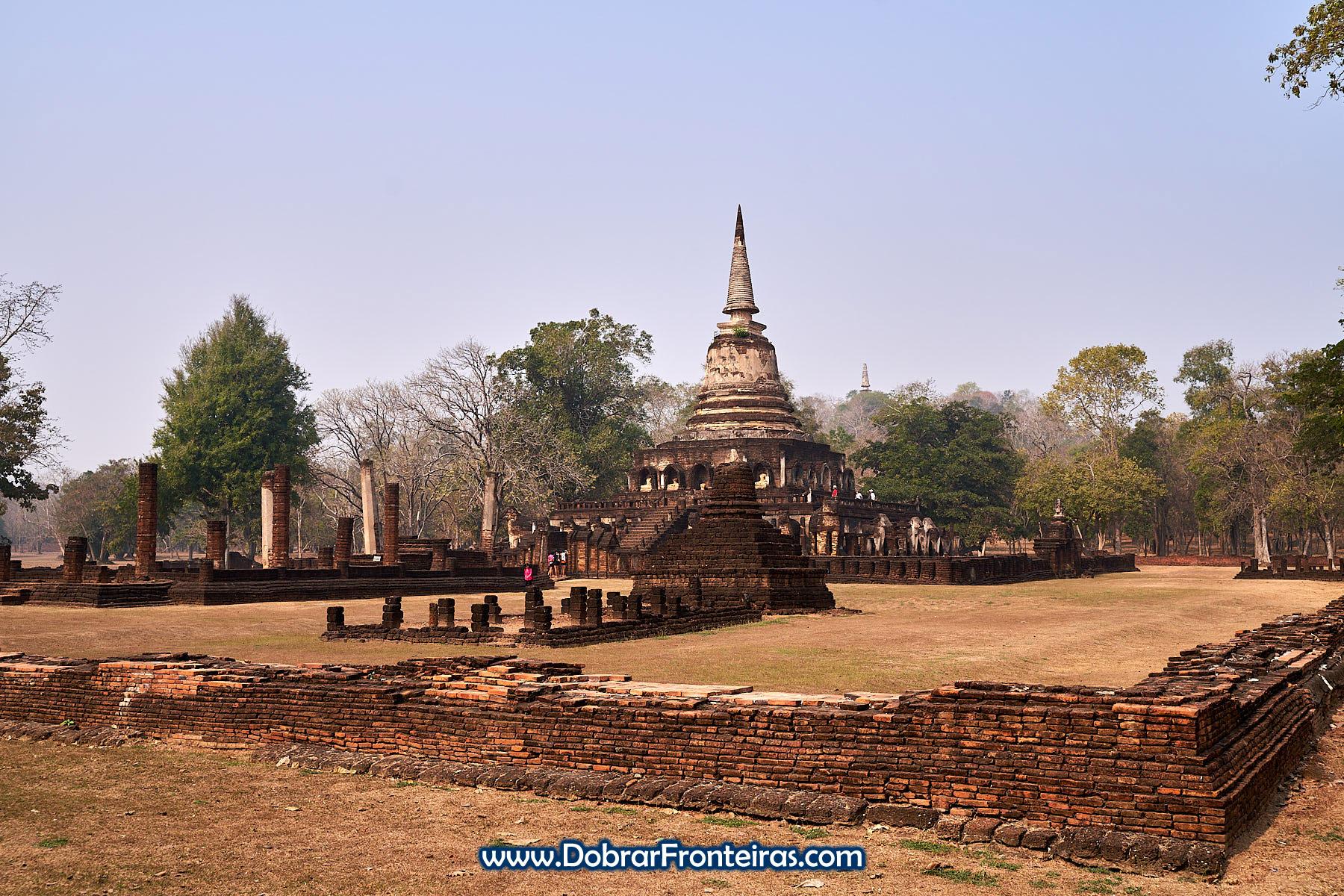 Wat Chang Lom, templo budista em Si Satchanalai