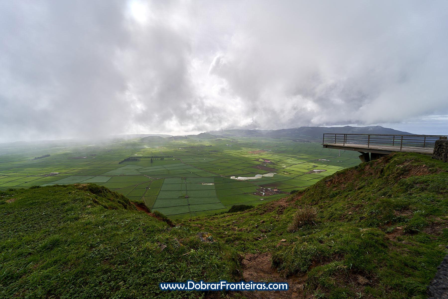 miradouro da serra do Cume na ilha Terceira, Açores
