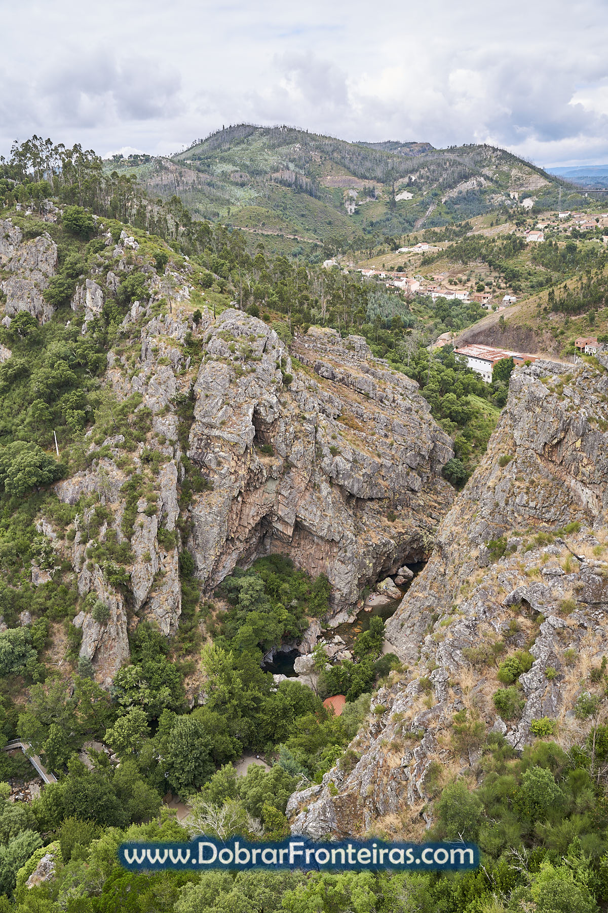 Vista do miradouro das fragas de São Simão