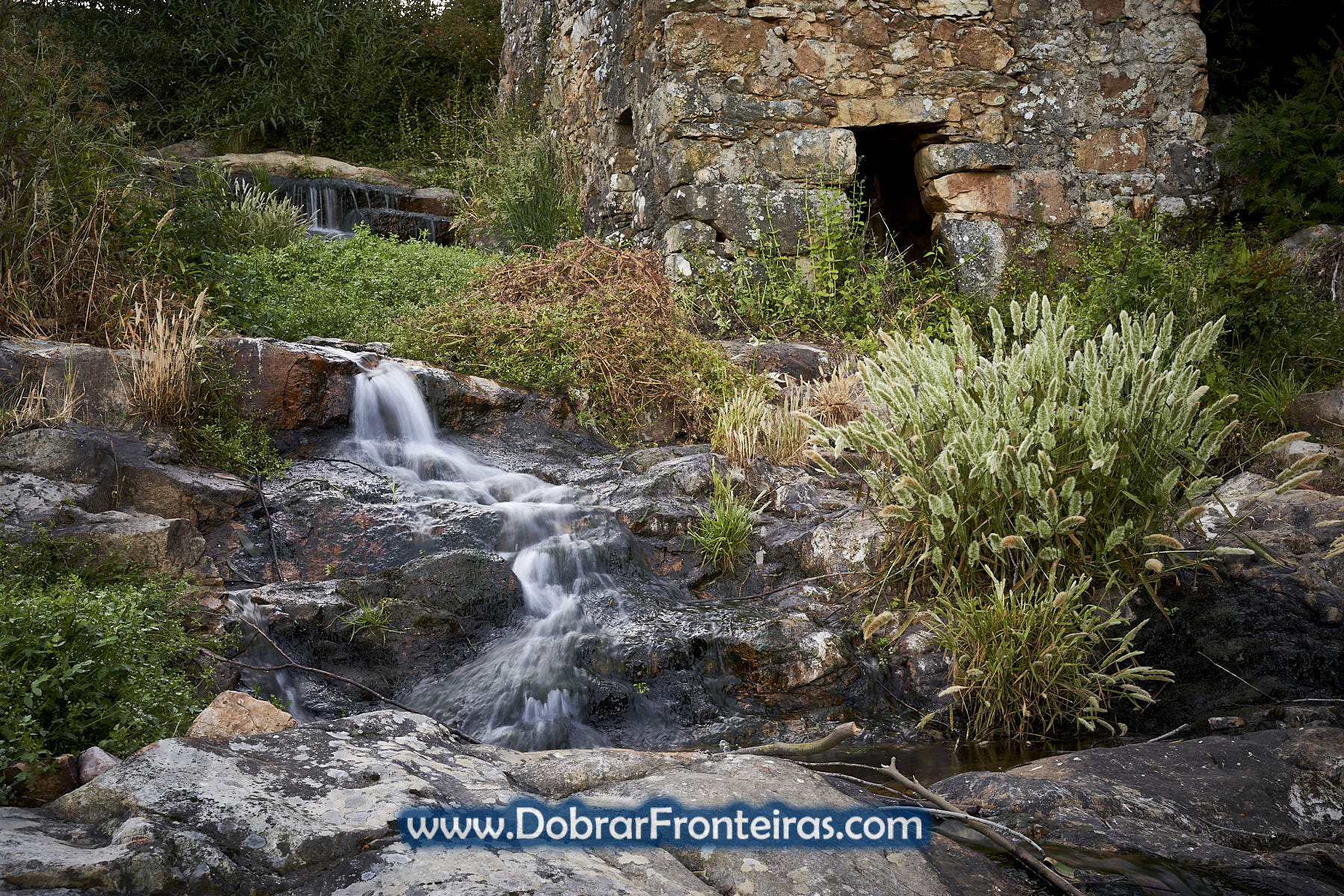Cascatas junto aos moinhos em Vila de Rei
