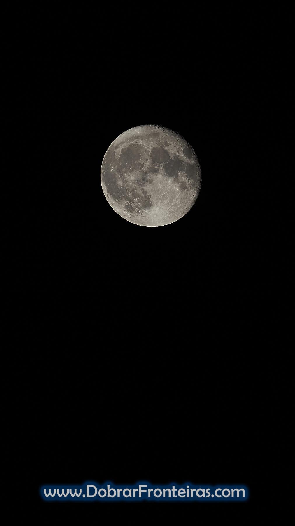 Lua cheia vista no parque da Peneda Gerês
