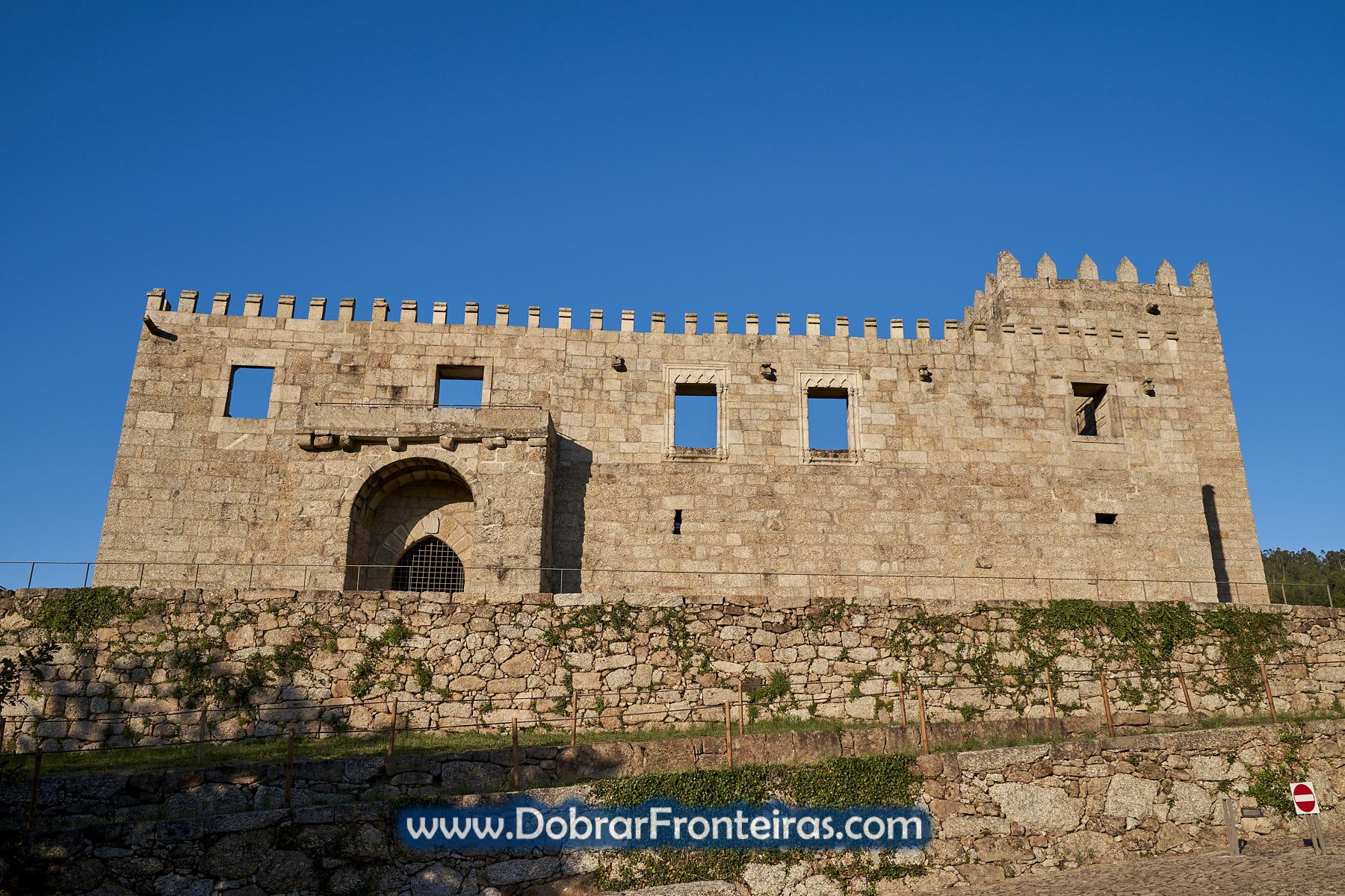 Fachada do Paço de Giela, castelo
