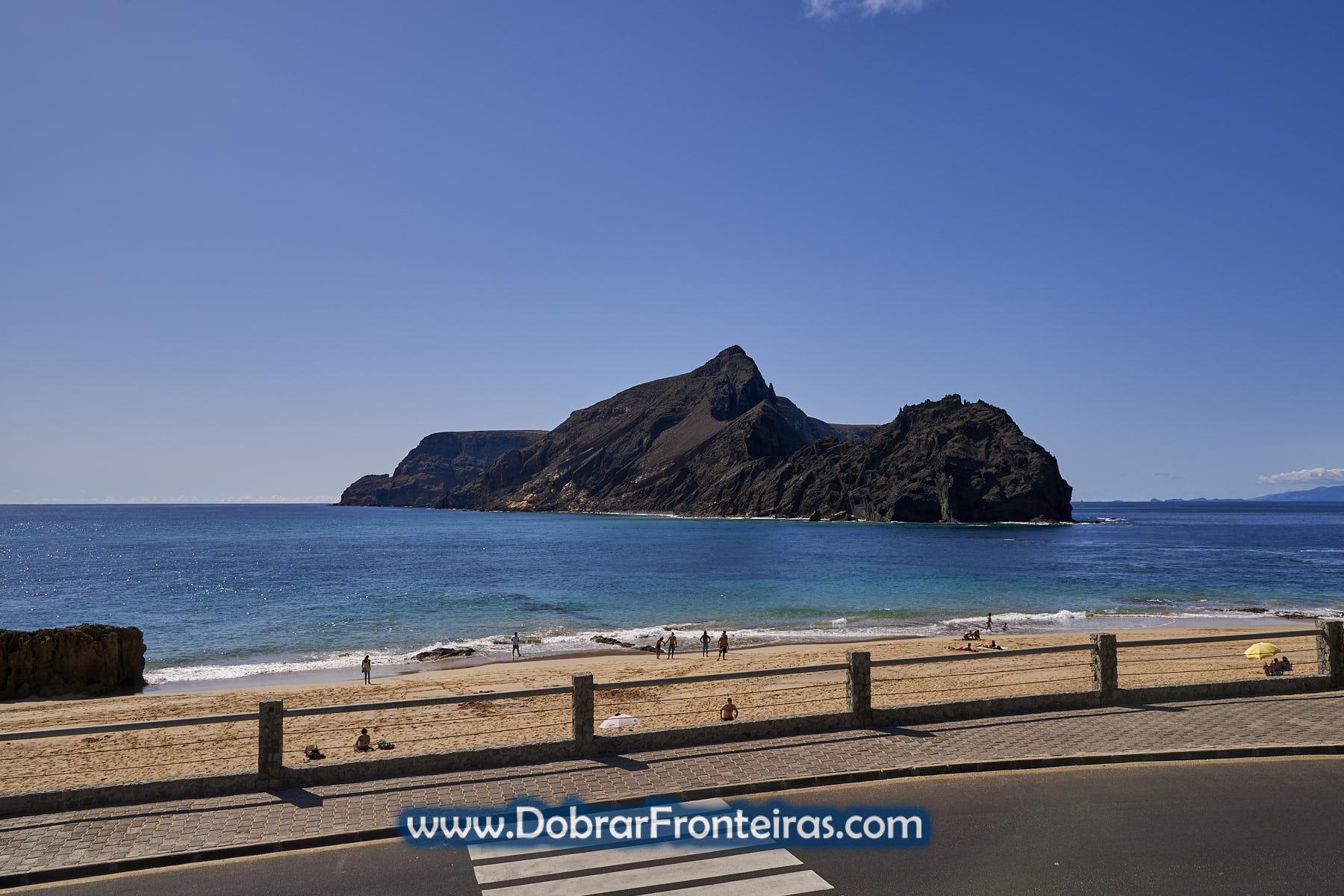 Praia da Calheta e ilhéu da Cal